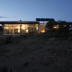 Off-grid itHouse by Taalman Koch