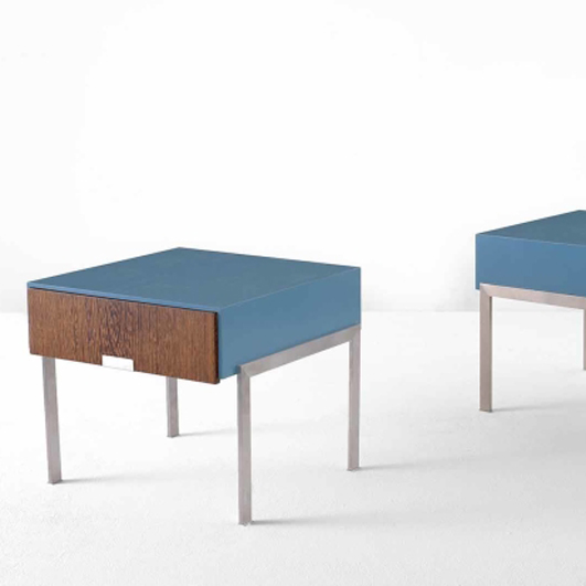 ARNE JACOBSEN Pair of nightstands from the SAS Royal Hotel