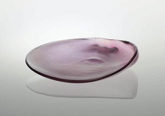 CARLO SCARPA Seashell-shaped 'iridato' dish e(£3,000-5,000)